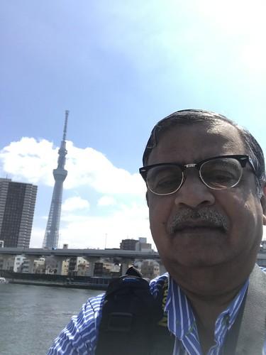 An abortive selfie against the Tokyo Sky Tree