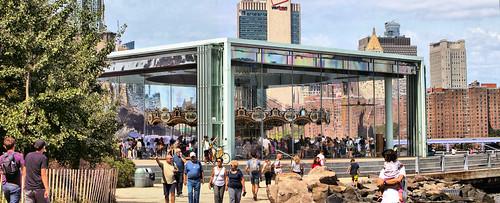 Saturday in the park / Brooklyn Bridge Park