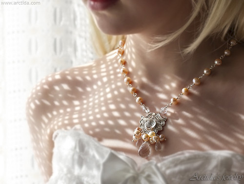 Lemai - Pearl bridal necklace Peach and Pink pearl necklace with Rock Crystal Clear Quartz