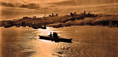 USS Saratoga entering San Francisco Bay 12-18-1929 NARA18-AA-24-020