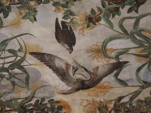 Sala a fogliami; Decorazione di Camillo Mantovano: Il falco che assale l'airone