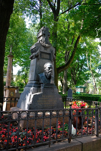 XE3F8750 - Fyodor Dostoevsky (Фёдор Достоевский), Tikhvin Cemetery (Saint Petersburg)