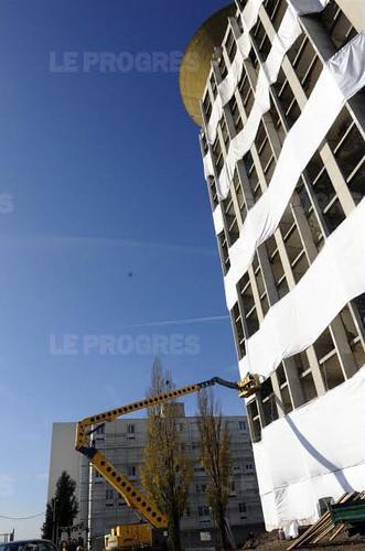 42 Saint-Étienne.C'était l'emblématique Tour Plein Ciel de Montreynaud. Foudroyée à 10 h 45 en seulement une poignée de secondes par l'entreprise Arnaud Démolition.