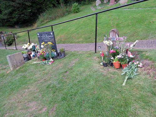 Bill Owen's Grave, Upperthong 2019