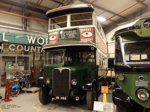 London Transport ST821