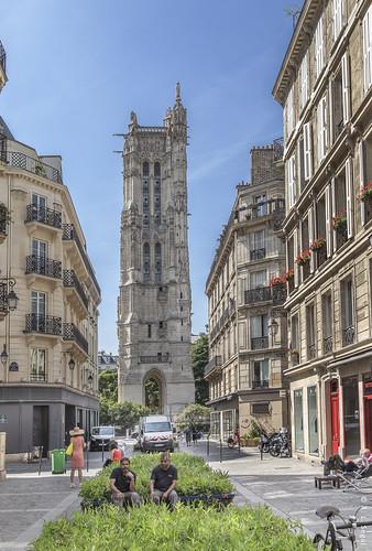 Tour Saint Jacques, Rue Nicolas-Flamel