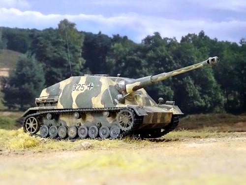 "1:72 SdKfz. 163, Jagdpanzer IV/43 (late); vehicle ""325"" of the 228. Panzerjägerbattalion, 116. Panzerdivision; Caen region (France), summer 1944 (Heer '46/modified Trumpeter kit)"