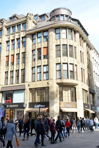 8143 Fotos aus der Hamburger Einkaufsstraße Neuer Wall im Stadtteil Neustadt - Hamburgs Innenstadt.