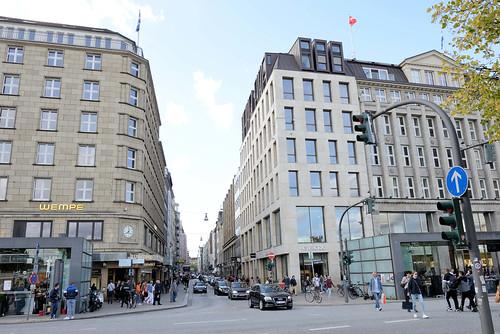 8121 Fotos aus der Hamburger Einkaufsstraße Neuer Wall im Stadtteil Neustadt - Hamburgs Innenstadt.