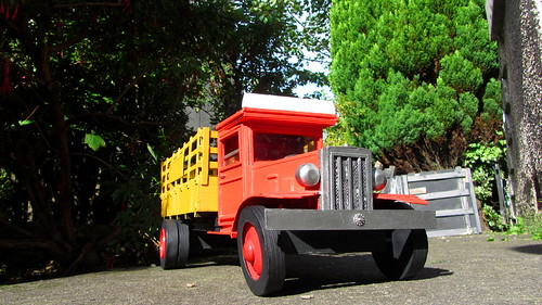 Unique Scratch Built 1930s Prohibition Style Cardboard Model Crate Truck - 1 Of 19