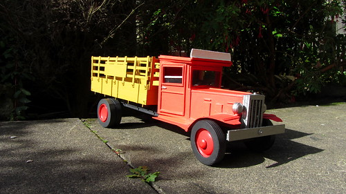 Unique Scratch Built 1930s Prohibition Style Cardboard Model Crate Truck - 15 Of 19