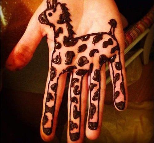 Baby Giraffe Mehndi Design for kids