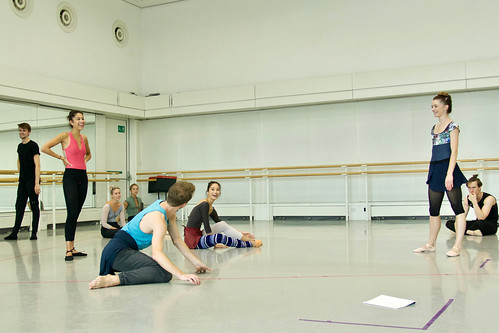 Artists of The Royal Ballet in rehearsal with Pam Tanowitz, The Royal Ballet © 2019 ROH. Photograph by Rachel Hollings