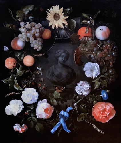 IMG_1400 Rainier de la Haye 1640-1695  Den Haag  Früchte und Blumen um eine Büste Fruits et fleurs autour d'un buste Fruits and flowers around a bust Schwerin.Staatliches Museum
