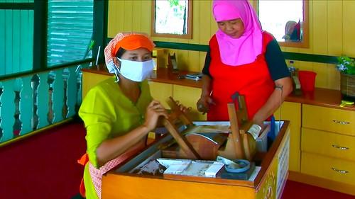 Indonesia - Java - Yogyakarta - Cigarette Manufacturing - 34