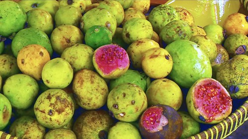 Indonesia - Java - Yogyakarta - Market - Guava