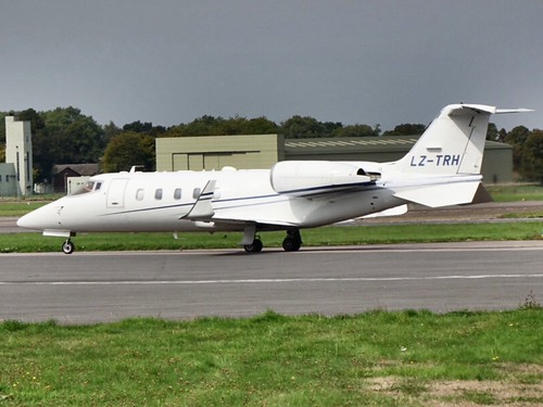LZ-TRH taxiing out of Biggin hill