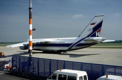 Antonov An124-100 Ruslan RA-82042 Koln-Bonn 31-5-94