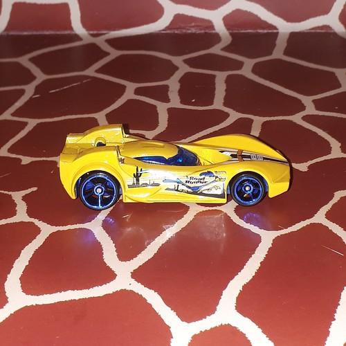Scoopa Di Fuego Road Runner Hot Wheels Looney Tunes 5/8 2017 HotWheels 1/64 by Mattel Toys .