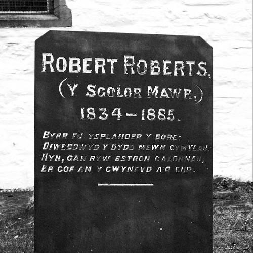 Beddfaen Robert Roberts (Y Sgolor Mawr) 1834-1885, Llangernyw