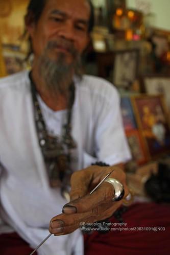 Ayutthaya, Ajaan Kob, sharp needle