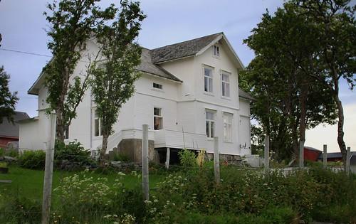 Karlsøy prestegård