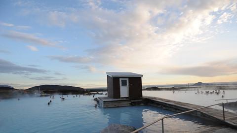 KJAER_GLOBAL_Iceland natural hotspring