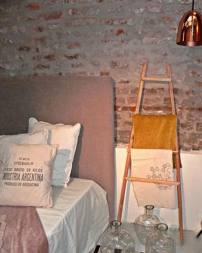 Best decorations on Kadinika.com Una parte de nuestro showroom en Pasaje Bollini #ketha #interiordesign #deco #decoration #estudio #proyectosparriculares
