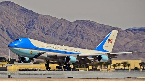 82-8000  1988 Boeing VC-25A (747-2G4B) C/N 23824