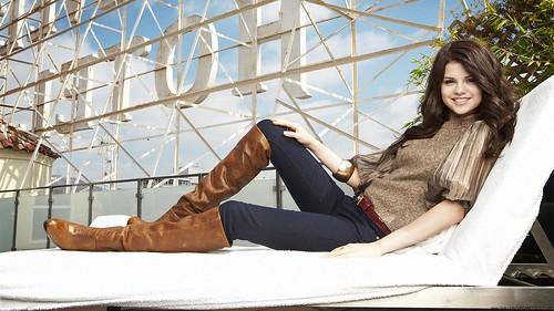 Selena-Gomez-Hot-Selena-Gomes-HD-Wallpaper