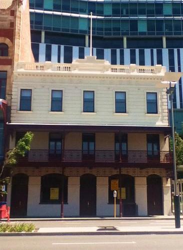 Globe Hotel (formally in 1891 Wellington Hotel) - 861 Wellington Street