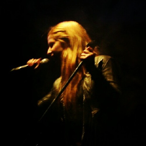 In action! #singing #singer #blond #music #natubella