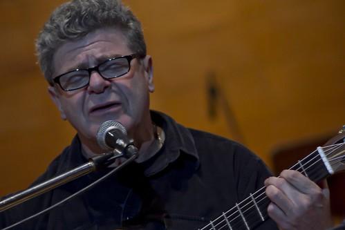Comenzó en San Juan el ciclo de charlas y conciertos de Gustavo Santaolalla con jóvenes músicos locales