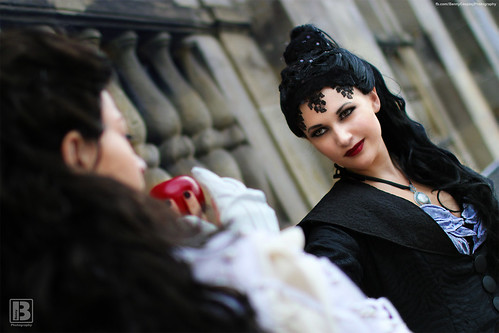 Regina and Snow White - @Connichi 2014