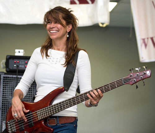 2013 Yvette Landry,  Lafayette Rhythm Devils, Mamou Cajun Music Festival, Sept 7-8025