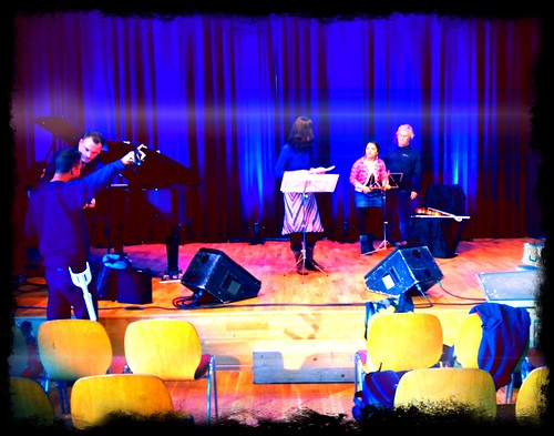 Trio Mara - Zürih - Volkshaus Tonight! Concert ... Stage set up. Everything is going be allright ...