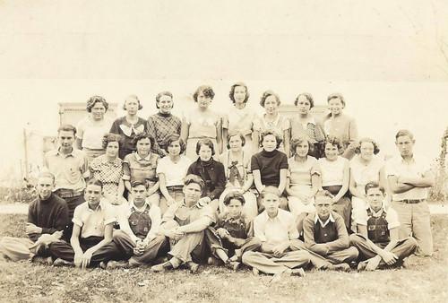 Floyd Hoobler (front row, second from left) and cousin Elva Hoobler 1934