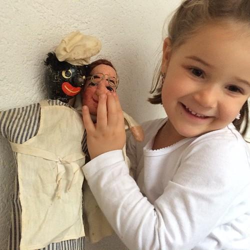 Heute ist Kasperli Theater spielen angesagt mit den Spielfiguren von der Ur-Ur-Grossmutter #Nostalgisch #Retro #PapaTag