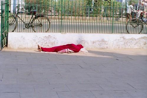 Lucknow Ke Living Dead ,,, In A Winding Sheet Red