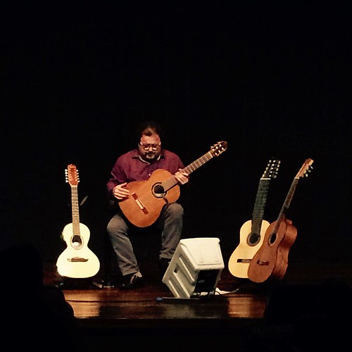 #iphonephoto #sescboulevard #belemdopara #music Apresentação primorosa de Salomão Habib. 👏🎶👏.