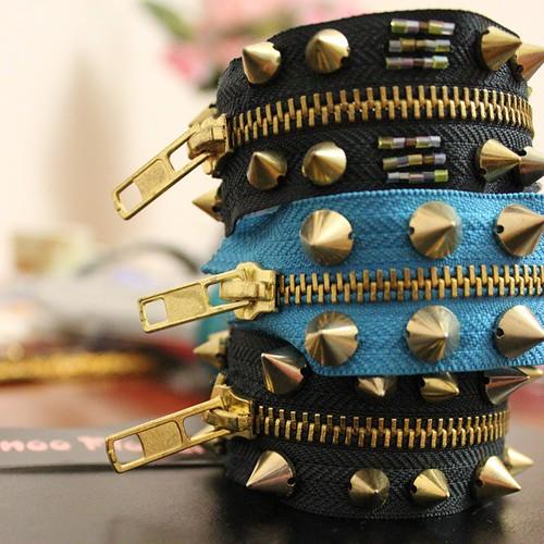 #اساور #دبابيس #دبوس #الوان #افكار #انواع #افكاري #ابداعات #ابداع #ترتر #سيلان #اكسسوار #المدينة_المنورة #جديد #advertising #fashion #fanoo_flower #bracelets #Jeddah #photo #تصويري