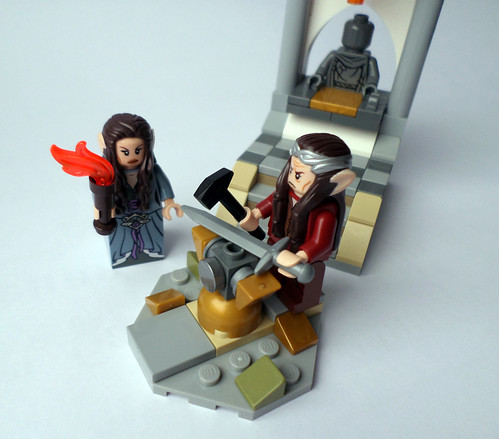 Elrond restores sword Anduril