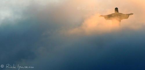 Cristo Redentor no meio das Nuvens - Rio de Janeiro Christ the Redeemer in the clouds - Corcovado - Rio #Rio450 #Rio450Years #Rio450anos #Corcovado