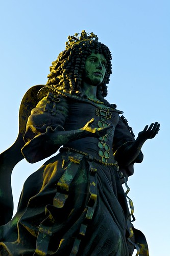 Rainha D. Catarina de Bragança sculpture (Audrey Flack)