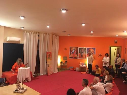 Yoga Vidya italia swamiji