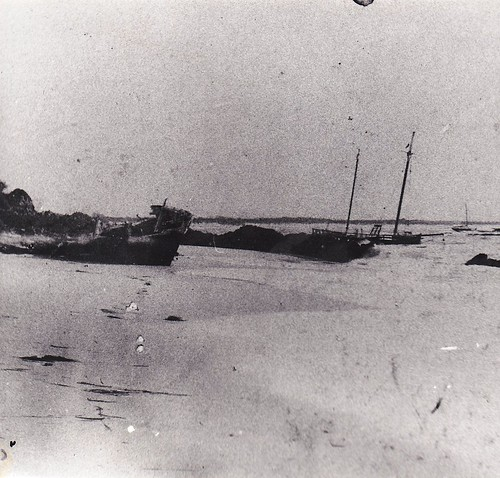 Wrecks (including the 'Bell Bird) at the entrance to Cape Hawke Harbour 1st June 1897