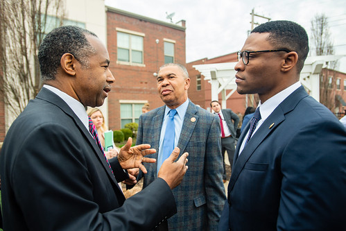 Secretary Carson tours Opportunity Zone in St. Louis