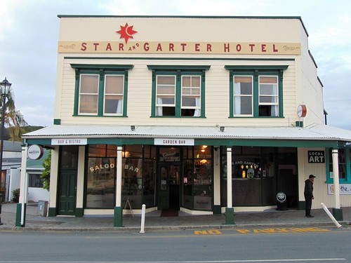 [NZ] Coromandel-STAR & GARTER, 5 Kapanga Rd  3506 {Waikato, North Island} (Jan19)