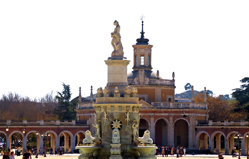 FUENTE DE LA MARIBLANCA E IGLESIA DE SAN ANTONIO PALACIO REAL DE ARANJUEZ, MADRID 8929 2-3-2019
