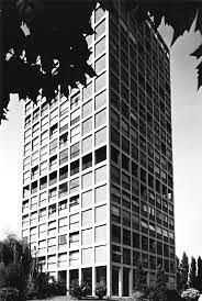 St-Etienne Nord - la tour BORIE R+17 HLM - architectes Gilbert Rouillat & Yves Gouyon constr 1957 à 60 -